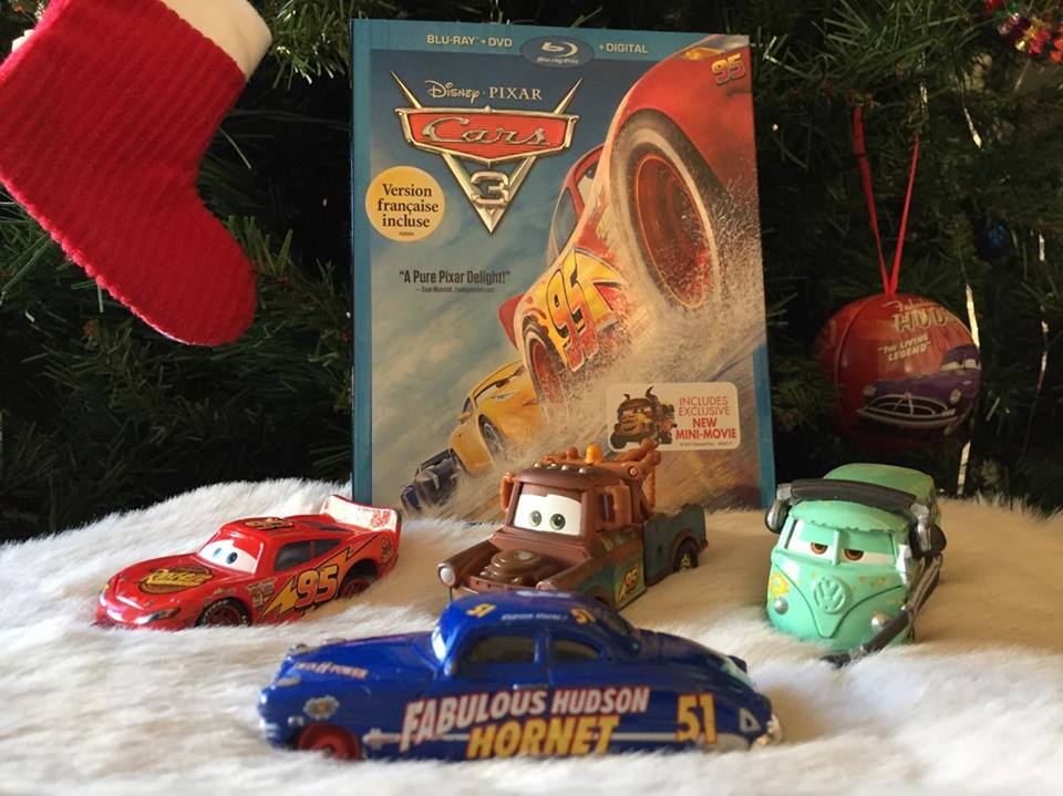 Disney Cars Christmas Decorations.Disney Pixar Cars 3 Zooms Into Home Theatres In Time For